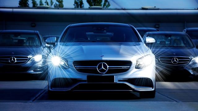 rozsvícená auta.jpg